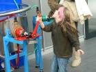 Kindermuseum Wasser pumpen