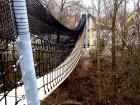 Die schwankende Hängebrücke