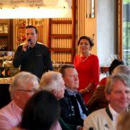 Hunderte Gäste feiern beim Winzerfestival in den Mai